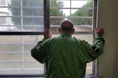 Cada vez más japoneses mayores de 65 años cometen delitos para acabar en la cárcel