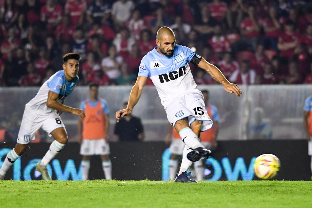 Colón vs. Racing 7664c0028573e