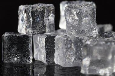 El hielo puede tener varias estructuras moleculares distintas