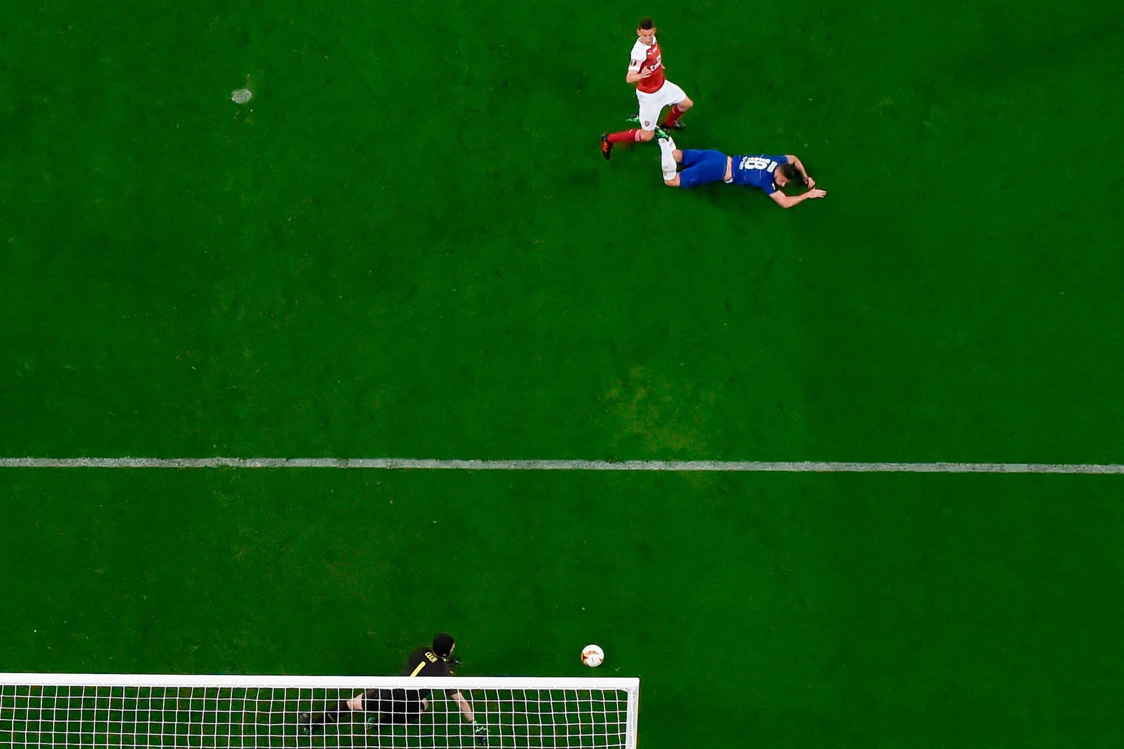 """Chelsea, campeón de la Europa League: el gol de Giroud """"a lo Alario"""", el primero de cinco en 23 minutos"""