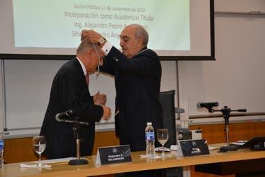 Bulgheroni fue incorporado como Académico Titular de la Academia Nacional de Ciencias de la Empresa (ANCE)