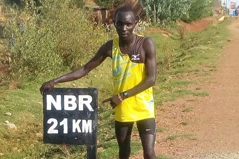"""Coronavirus. Los atletas keniatas que persiguieron """"rivales imaginarios"""" en un medio maratón virtual"""