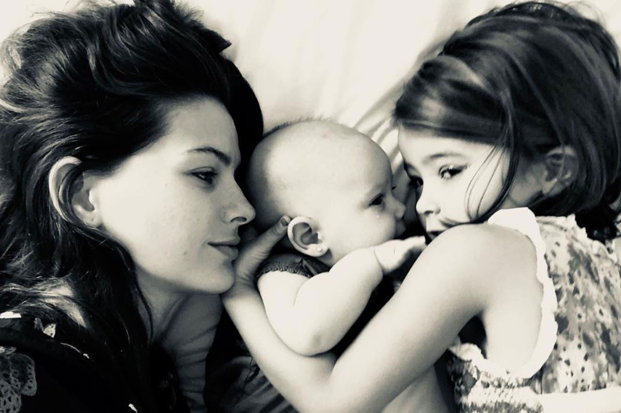 La China Suárez y una tierna foto de Amancio junto a sus hermanas, Rufina y Magnolia