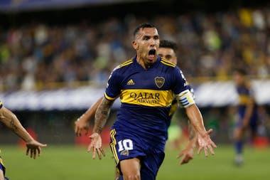 Tevez y una imagen icónica: el festejo de su gol a Gimnasia, que le dio el título a Boca en marzo