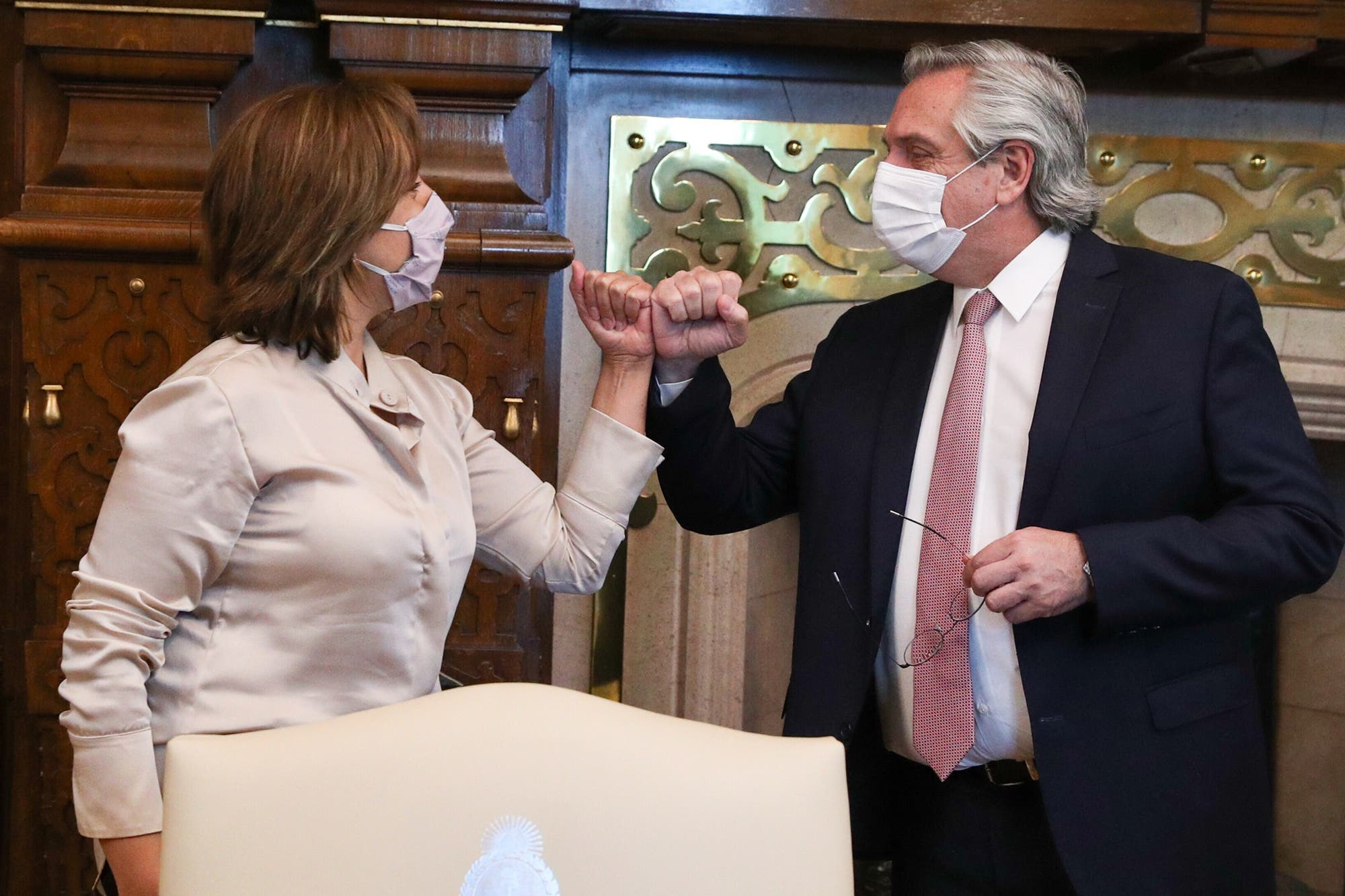 Giro: Alberto Fernández puso a la ministra de Justicia al frente del conflicto mapuche, tras reunirse con Arabela Carreras