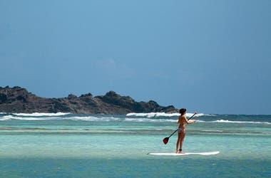Con estilo francés, playa de arenas blancas y mar cálido en St. Barth