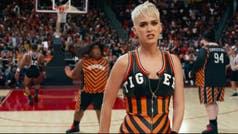 Katy Perry estrenó su nuevo video, Swish Swish