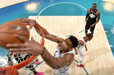 Giannis Antetokounmpo en acción en el All Star Game