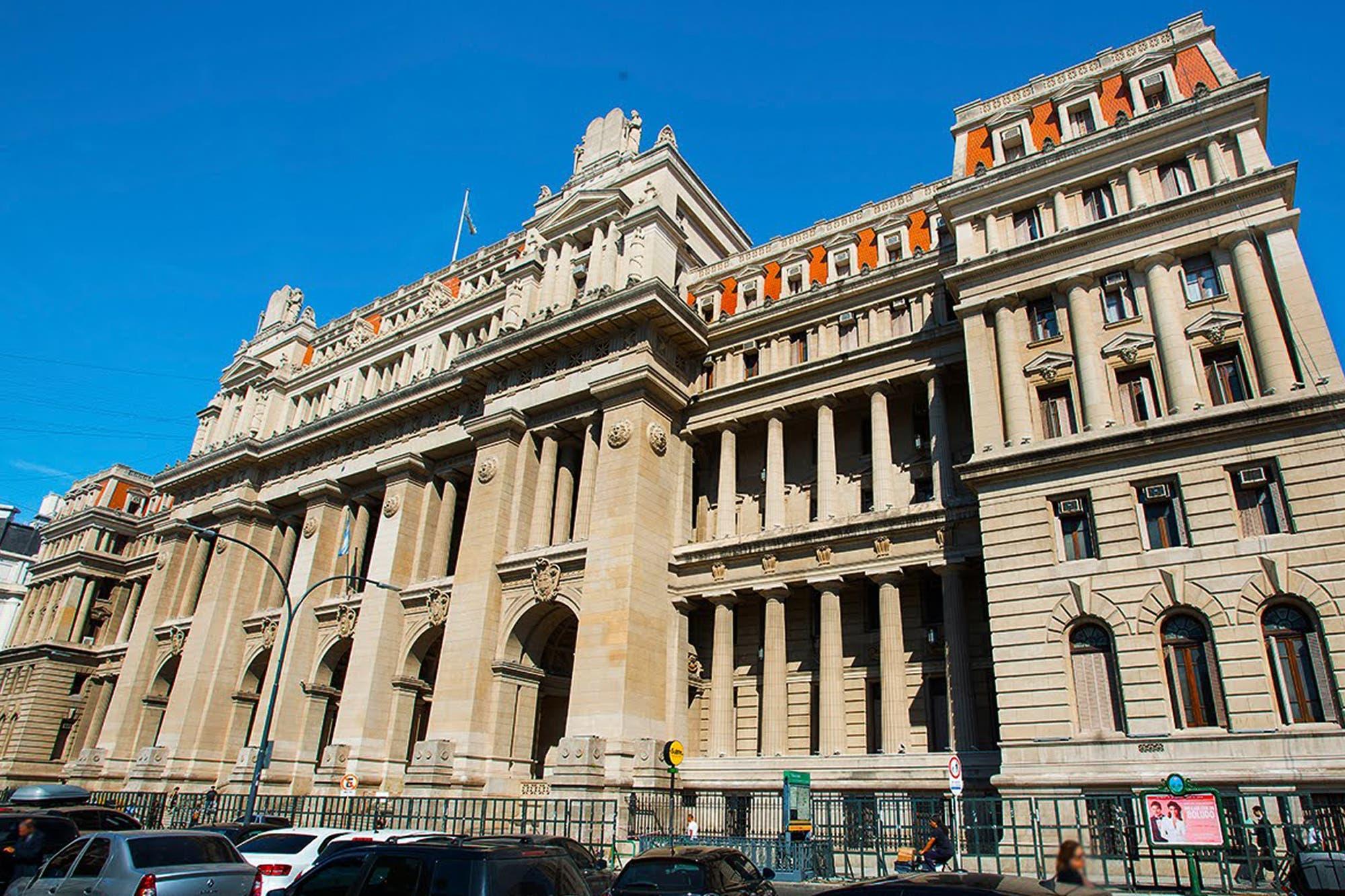 Comunicado: jueces y fiscales redoblan la presión contra el proyecto que recorta sus jubilaciones