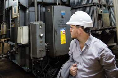 La subestación depende de Edesur, empresa que se encarga de la distribución de energía eléctrica en la zona sur de la ciudad y el conurbano bonaerense.