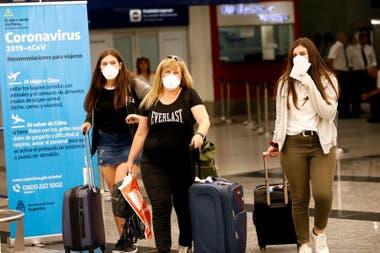 Felipe Solá aseguró que ya regresaron al país 245.000 personas varadas