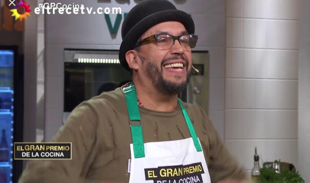 El gran premio de la cocina: Luis se quebró al contar su infancia en la villa