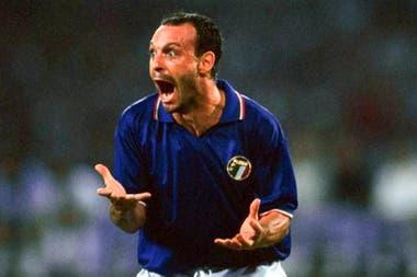 """En Italia 1990, Schillaci recibió un apodo: """"Il Salvatore de la Patria"""""""