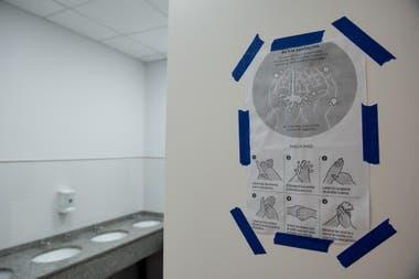 Un explicativo para lavarse las manos en el colegio Michael Ham