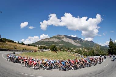 Aunque el Tour de Francia está entre las pruebas más atractivas del deporte, todavía parece no haber alcanzado un desarrollo para dar un salto cualitativo en el mercado.