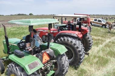 Los productores se movilizaron con tractores y camionetas