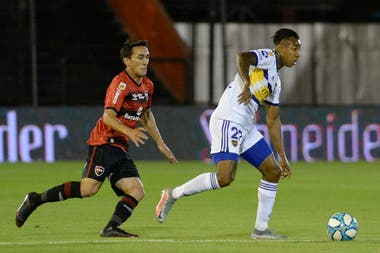 Sebastián Villa volvió a ser titular: no jugaba desde marzo pasado