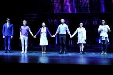 El elenco de Casi normales, liderado por Laura Conforte y Martín Ruiz, hizo su regreso triunfal en el Metropolitan