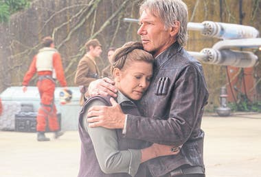 Carrie Fisher y Harrison Ford en Episodio VII