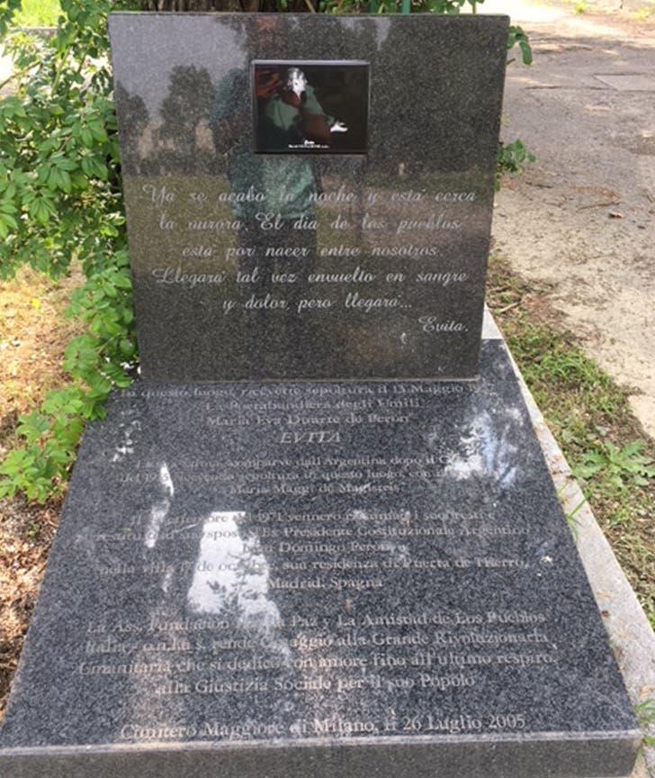 Un cenotafio marca hoy el lugar donde Eva Perón estuvo sepultada