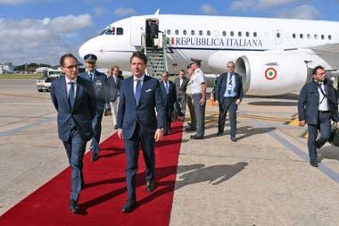 El mandatario Italiano, Giuseppe Conte, fue recibido por Dante Sica