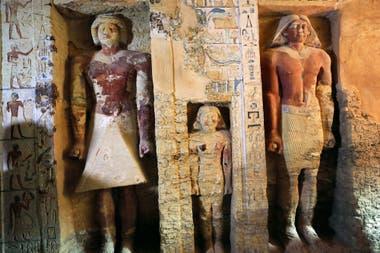 En la tumba hay imágenes del sacerdote Wahtye y su familia
