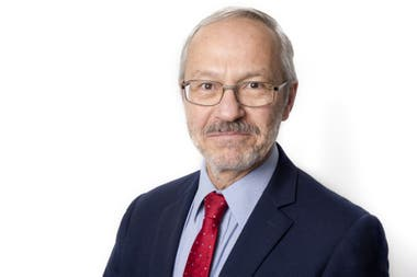Presidente de la Asamblea Legislativa de las islas, a Barry Elsby