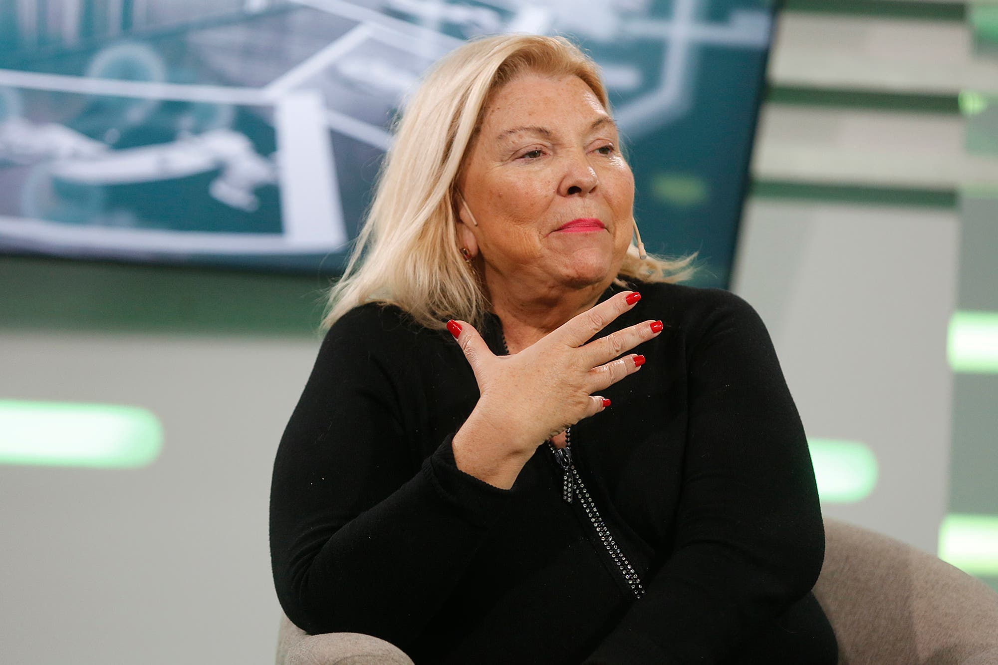 """Elisa Carrió: """"El objetivo del Gobierno es que no nos vuelvan a saquear con el dólar"""""""