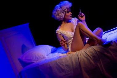 Marilyn Monroe se sube a escena para contar un episodio no tan conocido de su vida: en 1961 fue internada por error en un hospital psiquiátrico