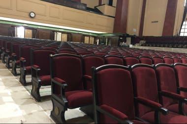 A reforma do auditório da Faculdade de Direito da UBA foi uma das atividades do Rotary de Buenos Aires este ano