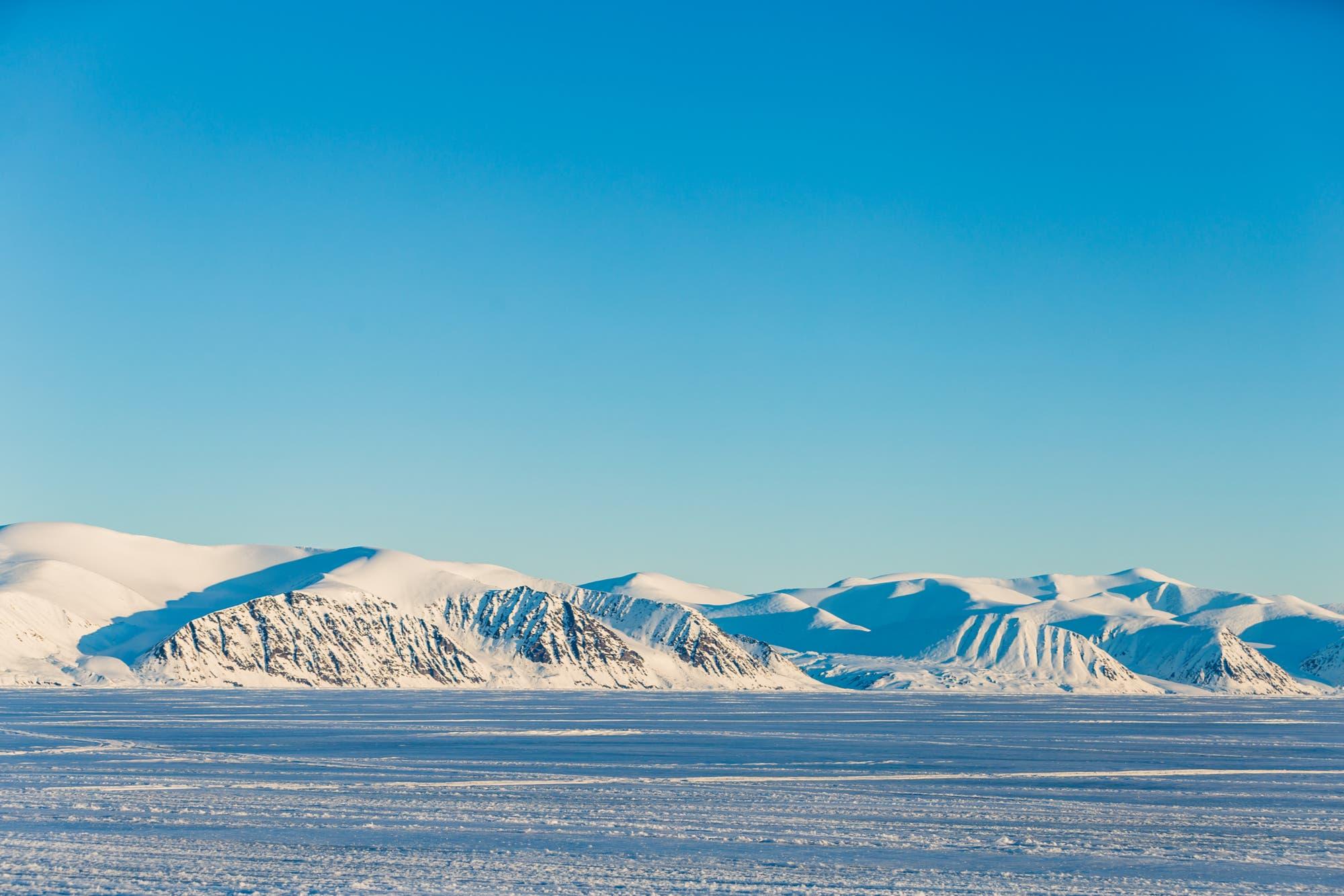 Internet en el Ártico: la batalla de las superpotencias mundiales por desarrollar la red en este remoto territorio de Canadá