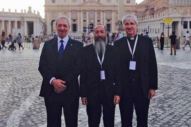 El dirigente musulmán, Omar Abboud, el rabino Daniel Goldman y el presidente del IDI, Guillermo Marcó, en Roma