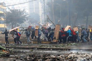 Ecuador. Manifestantes protestan contra las medidas de ajuste del presidente Lenín Moreno en Quito, el 13 de octubre