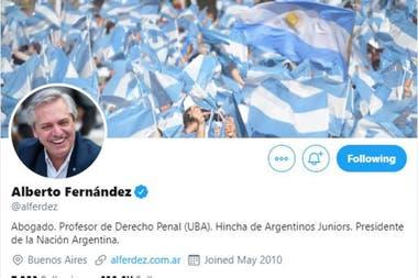 El presidente ya cambió su biografía en Twitter