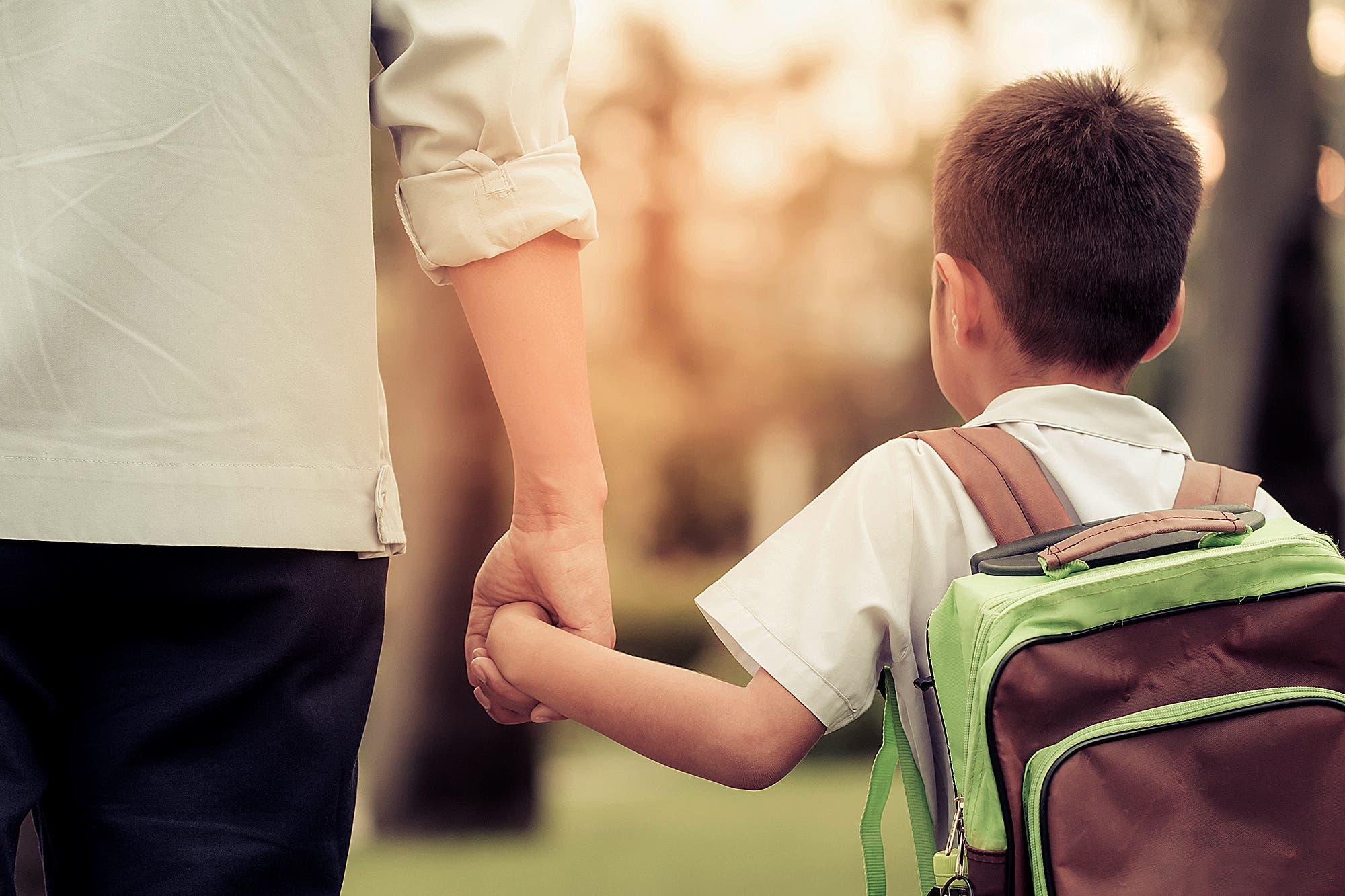 Padres separados: un fallo autorizó a romper la cuarentena para que un chico de cuatro años vea a su papá