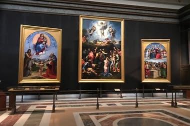 Una de las espléndidas salas de la Pinacoteca del los Museos Vaticanos