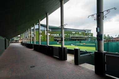 Una imagen de los pasillos vacíos de Wimbledon, algo totalmente inusual durante esta época.