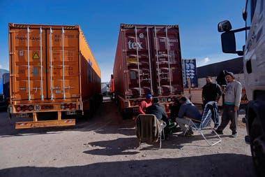Mendoza: por las intensas nevadas, hay más de 1000 camiones varados
