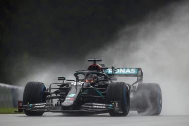 Hamilton lidera las posiciones de la temporada de la F1 después de las tres primeras carreras: ganó Estiria y Hungría, los últimos dos GPs
