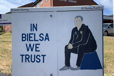 The murals with Bielsas image can be seen around the stadium.
