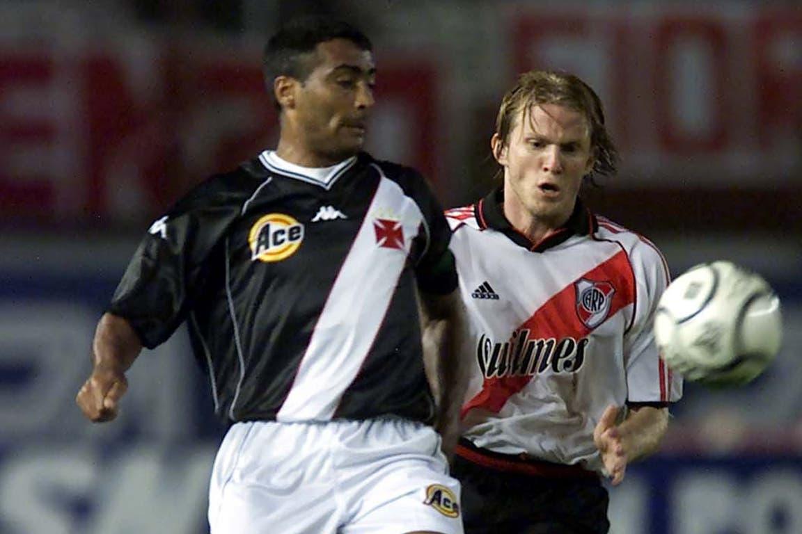 Romario (22 de noviembre de 2000): con el Vasco da Gama campeón de la Mercosur, el día de la goleada por 4 a 1 en el Monumental, por las semifinales; hizo el primer gol; en 1994 ganó el Balón de Oro del Mundial y fue elegido el mejor del planeta por la FIFA