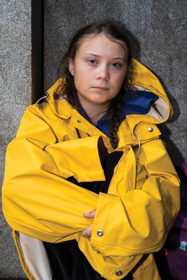 A sus 15 años, Greta Thunberg comenzó una huelga escolar los viernes para pedirles a las autoridades que reduzcan las emisiones de carbono. Fridays For Future es, hoy, un movimiento global de jóvenes por un mundo mejor.