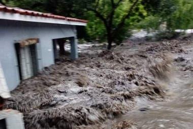 Los ríos se vieron desbordados por la gran cantidad de lluvia en poco tiempo