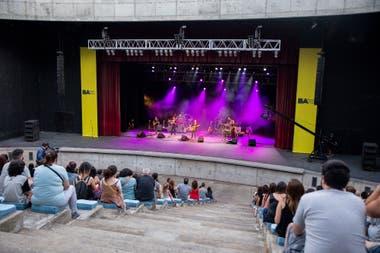En el anfiteatro conviven una programación gratuita gestada por el ministerio junto, ahora, con obras privadas con entradas pagas