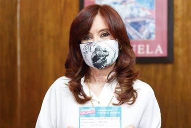 El fallo le permitiría a Cristina Kirchner cobrar unos dos millones de pesos por mes y 100 millones de pesos más como retroactivo
