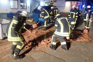 """""""Tuvimos que remover todo con palas"""", dijo el jefe de los bomberos voluntarios de Werl"""