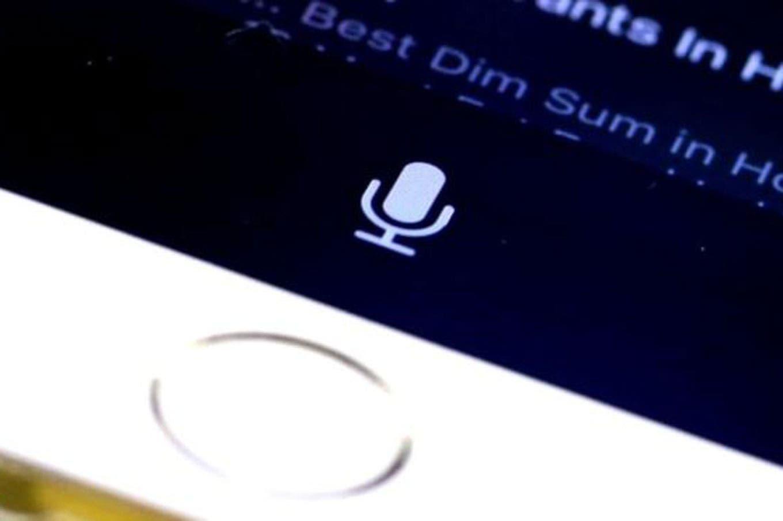 Por qué Apple dejará de escuchar tus conversaciones con Siri (temporalmente)