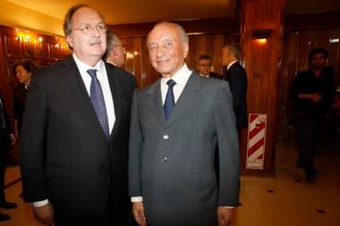 Gustavo Vittori, secretario del Museo de la Constitución junto a Eduardo Menen