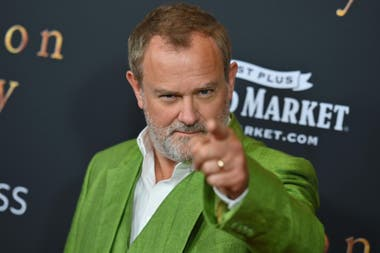 De verde. Hugh Bonneville, el actor que interpreta a Robert Crawley, conde de Grantham