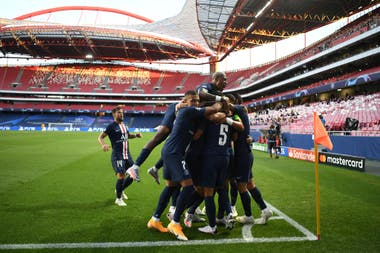 Goleada del PSG en la primera semifinal de la Champions League